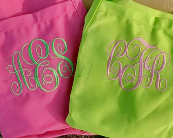 """Matching set Groom / Bride MOTHERS' gift Many colors + fonts. 24""""L x 28""""W professional 3 pocket full bib. His can be longer!!!"""