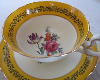 Rare and Unique Porcelain Teacup Made in England / AYNSLEY / Bone China