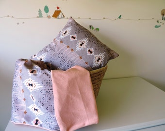 "Square Cushion Cover ""DreamCatcher Grey"""