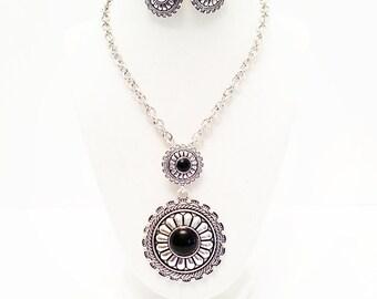 Antique Silver and Black Round Pendant Necklace set