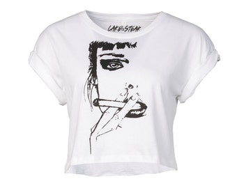 """Limited Edition organic crop top vegan shirt GOTS certified """"Girl with a cigarette"""" statement bio illustration black white"""