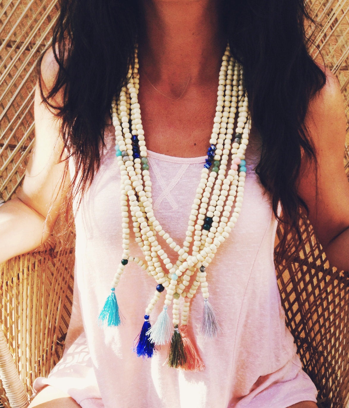 sautoir boh me avec pompon perles semi pr cieuses et perles. Black Bedroom Furniture Sets. Home Design Ideas