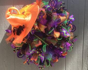 Halloween Witch Hat Wreath, Halloween deco mesh wreath, Deco Mesh Witch, Witch Wreath For Front Door, Halloween wreath