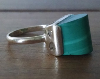 Sale!!! Retro Modernist Malachite Ring- 14Kt Gold- 1970's- Finger size 6