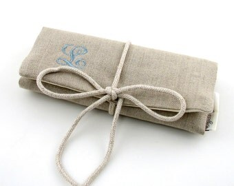 FREE SHIPPING - Linen Jewelry Roll // Personalized Jewelry Roll // Travel Jewelry Roll // Jewelry Organizer