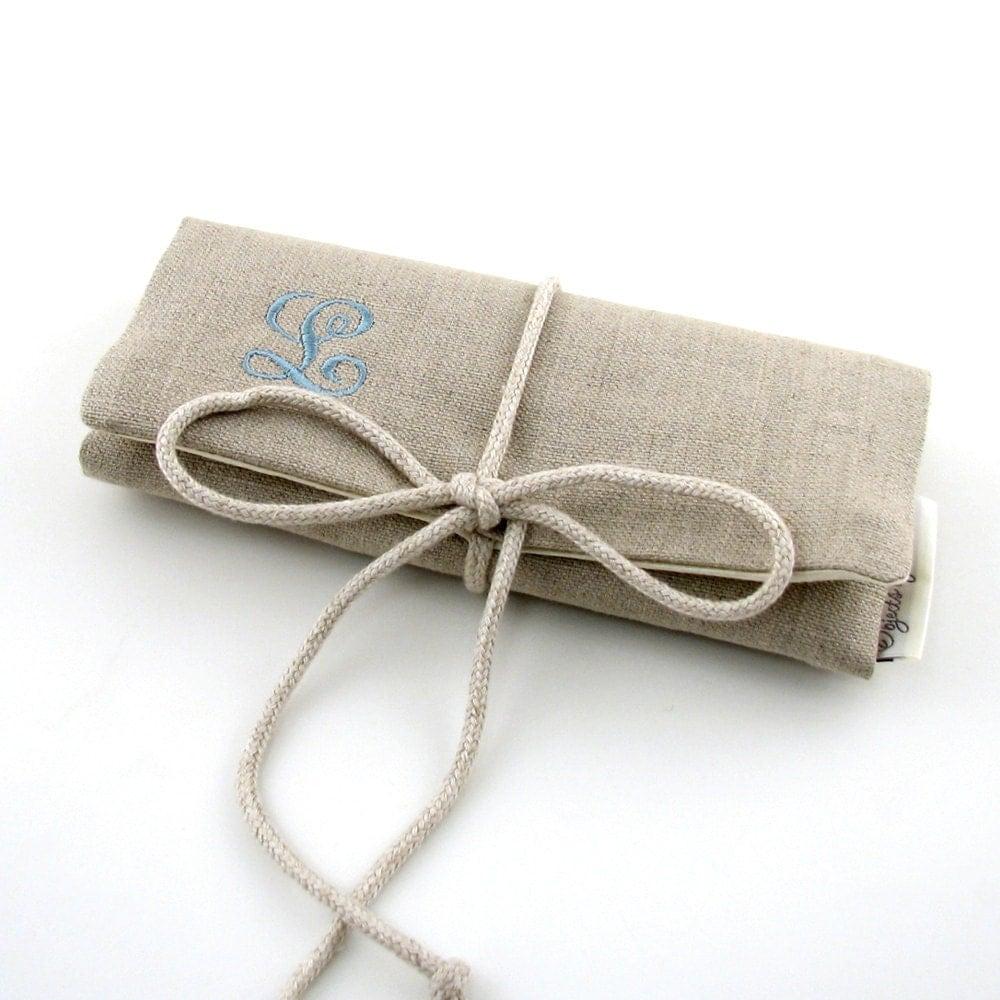 Linen Jewellery: Linen Jewelry Roll // Personalized Jewelry Roll // Travel