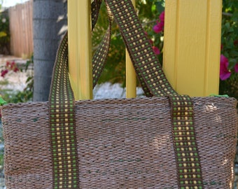 Purse handwoven out recycled plastic shopping bags