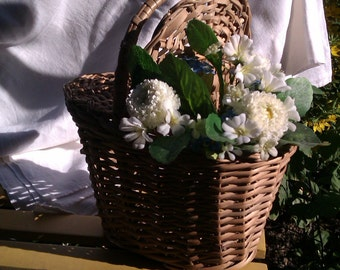 Little Willow Basket with Two Hinged Lids