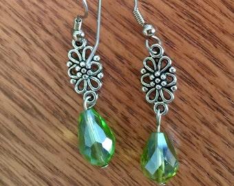 Green dangle  flower earring