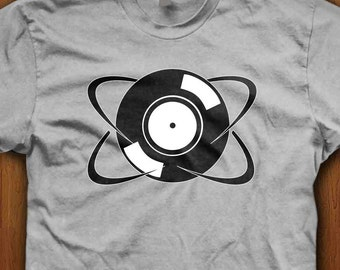 Record Atom Music T-Shirt Mens Womens Tee Children Awesome Music DJ Disc Jockey Dad Gift Idea Vinyl Record Graphic Science