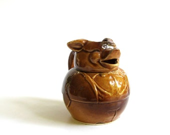 vintage pig creamer . made in Japan creamer . vintage kitchen decor . anthropomorphic pig dish