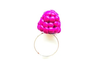 Ring THE RASPBERRY -- Life size polymer clay raspberry ring, adjustable by The Sausage