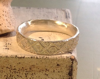 Silver Ring  - xoxo pattern - Ancient Horde