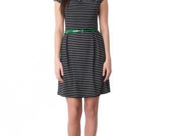 Pier dress with short cap sleeve and pleated skirt in red or black bamboo jersey