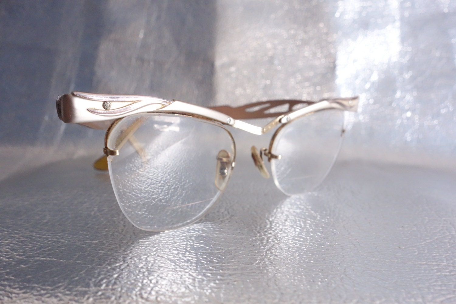Rimless Gold Cateye Frames Efficiency and Style Vintage