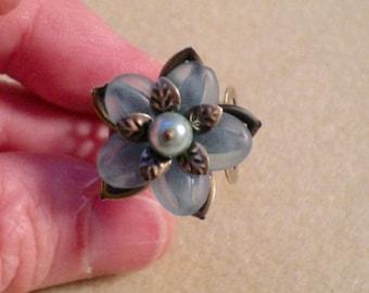 oO AQUA BLOOM Oo flower ring