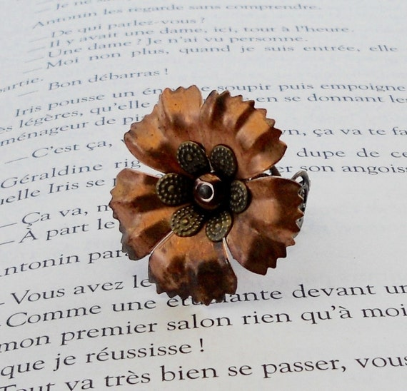 osO PENNY Oso Copper layered flower ring
