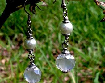 Handmade/Crafted Pearl & Glass Bead Earrings
