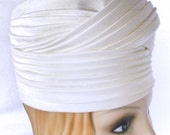 Vintage 1960s Turban Hat | 60s White Draped Turban with Box | William H Block Co size 22