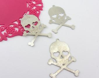 Silver Skull and cross bones charm pendant ( 4 pcs )