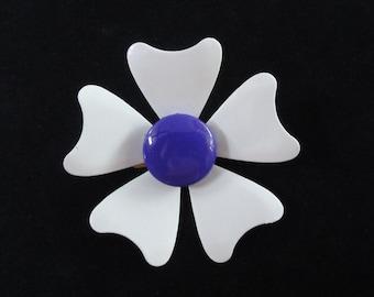 Flower Power Enamel Brooch- Vintage 70s Purple & White Daisy Flower Pin- Vintage 60s Floral Mod Brooch