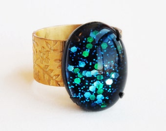 Nail Polish Ring Blue Green Glitter Ring Cosmic Vintage Domed Glass Mermaid Scale Adjustable Nail Polish Jewelry