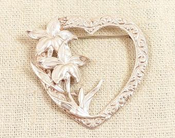 SALE ---- Vintage Danecraft Sterling Floral Lilies Heart Wreath Brooch