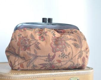 Italian 70s Fabric Clutch Vintage // Classic Purse // Fabric Handbag