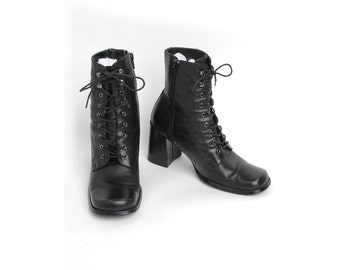 Black Leather Lace-up Boots with Zipper Sides 1990's 90's