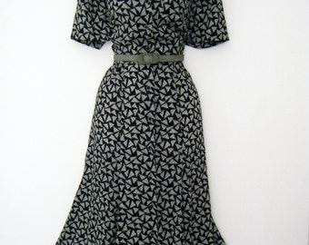 vintage 1940s belt with 80s does 40s LIZ CLAIBORNE geometric print day dress, us size 8 or medium