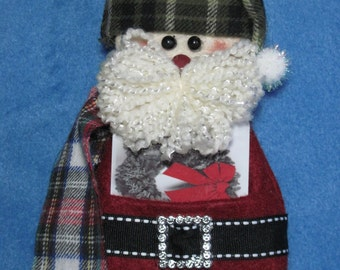 "Santa pattern:  ""Santa Gift Card Holder"" - #660"