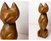 """1960s Wood Cat Sculpture, Tiki Style Sculpted Feline, Alii Woods Honolulu, 7.5"""" Tall, Mid Century Carved"""