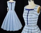 Vintage 1950s Dress / 50s SUNDRESS DEADSTOCK w/ Tags Blue Cotton Floral Vines Full Swing Skirt Belted Velvet Bow Rhinestone Buttons S Small