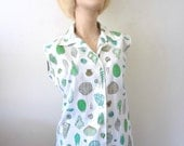 1950s Cotton Blouse with Seashell print - vintage button front sleeveless shirt