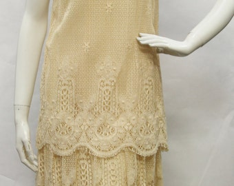 HARTSOILLE Vintage 1980s Ivory Cream Lace Tiered Dress SZ 8 (vintage sizing), V50082
