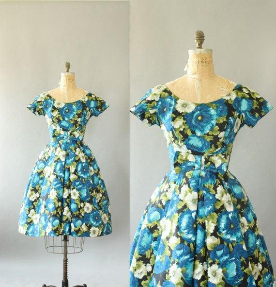 Vintage 50s Dress/ 1950s Cotton Dress/ Blue Floral Cotton Dress w/ Bow and Full Skirt M