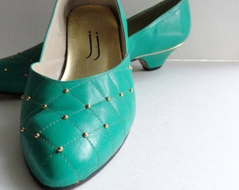 Vintage Green Kitten Heel Pumps| Jade Green Quilted Gold Studded Flats|Quilted Leather Green Pumps|Size 9