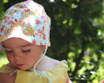 Baby girl sun hat. 100% italian cotton lawn. Summer garden print. Sizes 6m to 3T