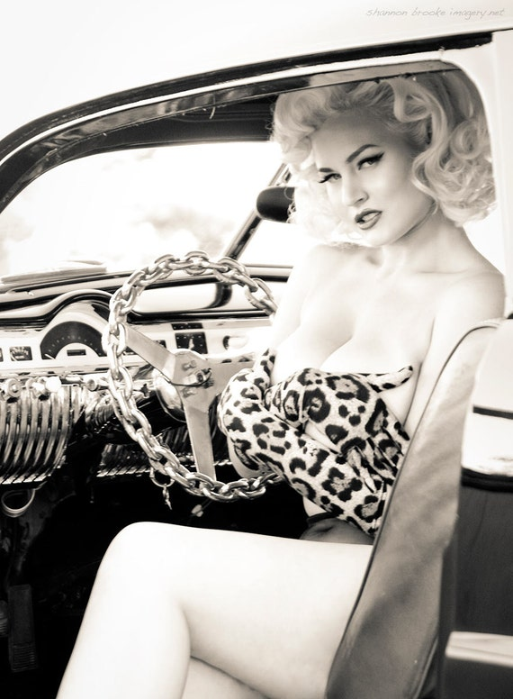 Gia Genevieve in Leopard Gloves 12x18 Print