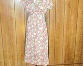 On Sale-Darling Floral EMPIRE WAIST Vintage Day Dress