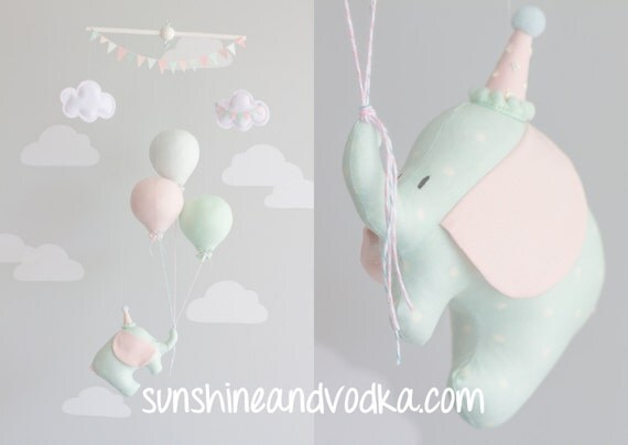 baby mobile elephant and balloon mobile travel theme. Black Bedroom Furniture Sets. Home Design Ideas