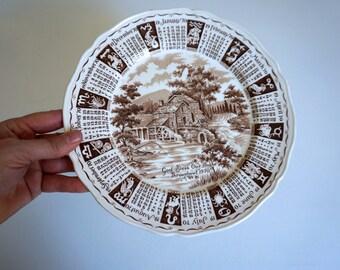 "1970 Calendar Plate 9"" Diameter Vintage Serving Platter Alfred Meakin Staffordshire England - Floyd Jones Vintage"
