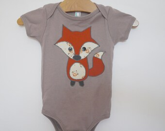 Baby one-piece applique fox tshirt - organic cotton - made with upcycled fabric