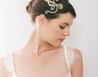 Turquoise Crystal and Flower Hair Comb, Unique Vintage Style Bridal Hairpiece #108HC