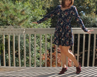 Vintage 90s Navy with red and cream flower print long sleeved dress by Maggie Lawrence