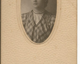 Antique 1900 Cabinet Photograph of a Young Women
