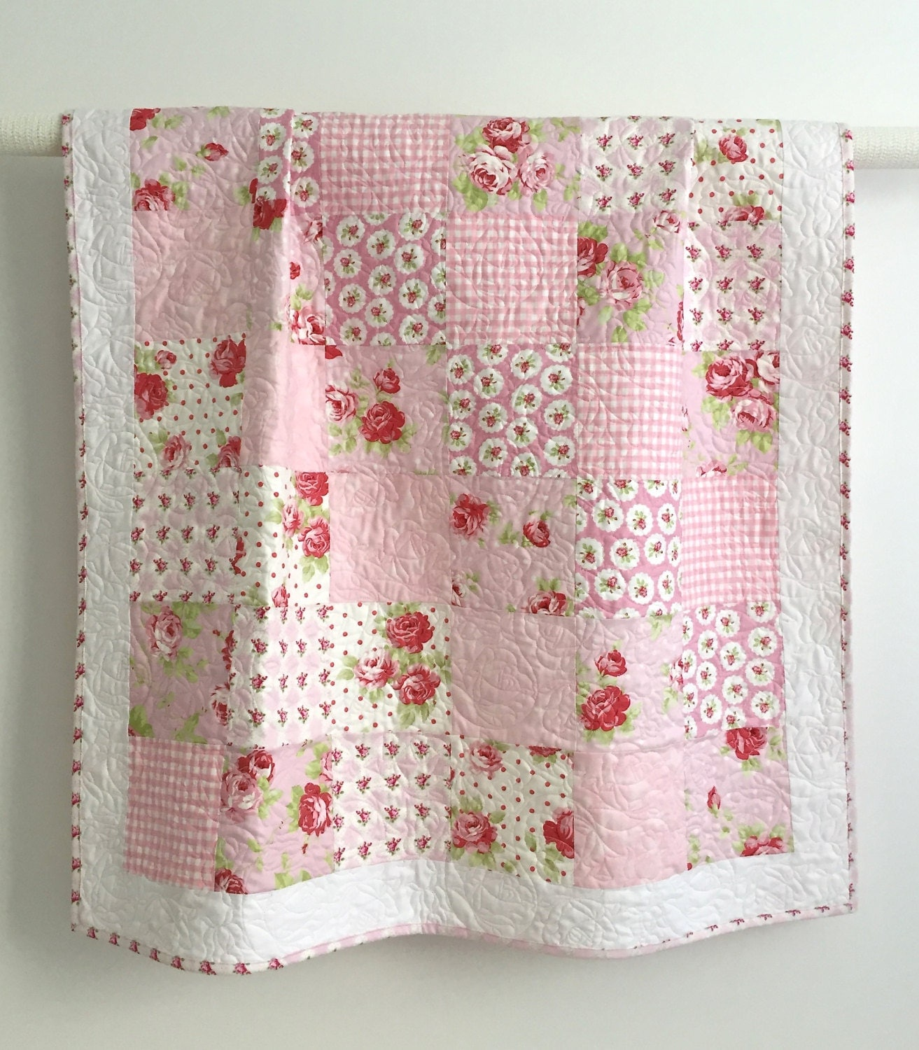 Quilt Ideas For Baby Girl : Adorable Baby Girl Quilt with Tiny Pink Roses