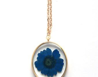Blue Daisy Resin Pendant Necklace - Real blue flower in open back oval bezel, Pressed Flower Jewelry - Resin Jewelry - Daisy Necklace