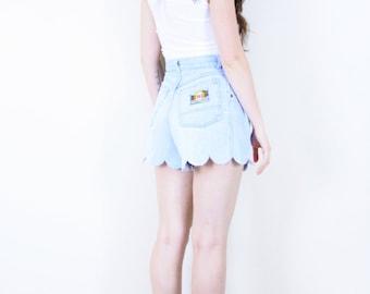 Scalloped Acid Wash Denim Shorts . 1980s Scallop hemmed shorts jean shorts light wash shorts high waisted shorts Nevada shorts summer shorts