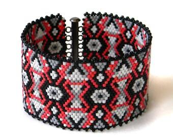 Wide cuff bracelet, wide peyote cuff, beaded bracelet, seed bead bracelet, beadwork, beadwoven cuff, statement jewelry, ethnic, boho cuff